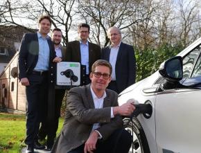Neue Ladesäule mit Strom aus Erneuerbaren Energien in Bad Sassendorf eingeweiht